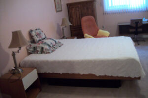 AVAILABLE IN BEAUTIFUL DUNDAS ONE LARGE CLEAN ROOM