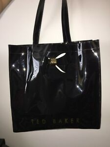 Ted Baker Purse (Great Condition)
