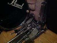 Vintage Pearl Drum kit.