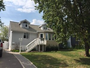 1 1/2 story home in excellent location