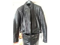 CLASSIC ASHMAN BLACK COWHIDE LEATHER BIKER JACKET & TROUSERS - padded and lined