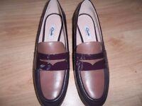 Clarks womens shoes size 7E