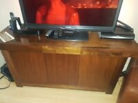 Gillies solid oak sideboard *excellent condition*