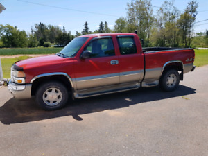 2003 sierra ext cab  4x4  with only 65000kms