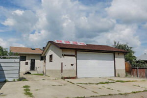 Double Garage Rental Londonderry Mall Area