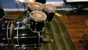 Premier Signia Kit Great Condition