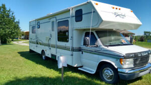 Ford Royal Classic 32' Motorhome