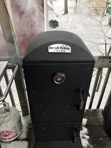 Broil King  Vertical Lump Charcoal Smoker
