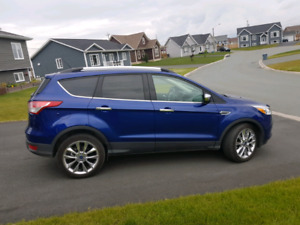 2015 Ford Escape SE with super low KM Just** 17,300KM**