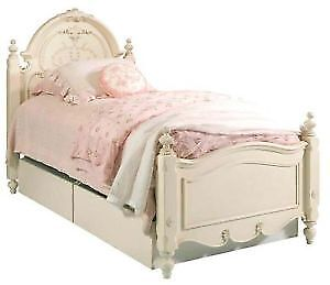 LOOKING FOR A TRUNDLE BED