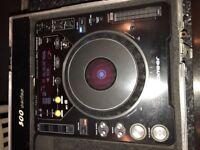 Pioneer mixing decks