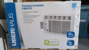 Climatiseur de fenêtre UberHaus - 8000 BTU - avec supports