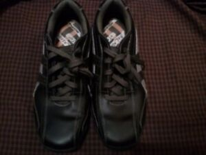 Skechers -black leather shoes -10.5 us --9.5 uk(new condition)