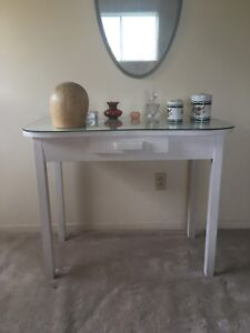 Table / maquilleuse