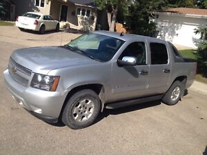 Chevy Avalanche 2011 FOR SALE