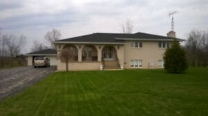 Rural Estate House and Property in Beautiful Amherstburg