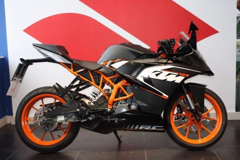 2016 65 KTM RC 125 BLACK ***ONLY 2,900 MILES FROM NEW***