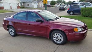 2004 Pontiac Grand Am Sedan - Excellent Condition