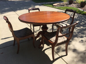 Mahogany Dining Room Table and 4 Chairs