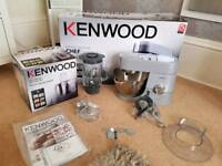 KENWOOD CHEF KITCHEN MACHINE KMC010 RRP £500 NEW