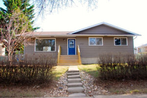 3 bedroom upstairs of a house to rent in Camrose