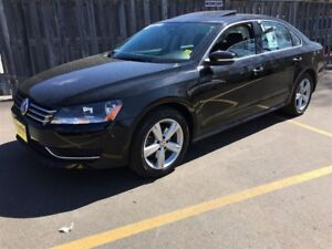 2015 Volkswagen Passat Comfortline, Leather, Sunroof, 46,000km