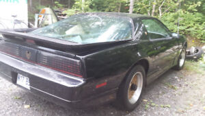 TRANS AM GTA 1989 5.7 L Tune Port 123000 k.m.