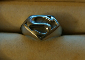 Sz 11 stainless steel Superman ring