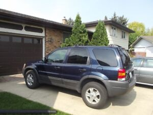 Well Maintained and Serviced 2004 Ford Escape
