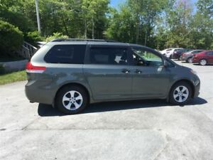 2013 Toyota Sienna CLEAN 4 NEW TIRES REAR A/C