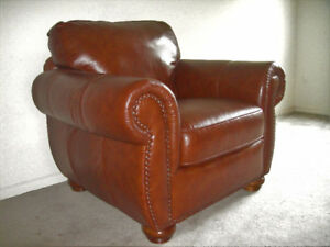 "CLASSIC ITALIAN "" NATUZZI "" ALL LEATHER CHAIR , CAN DELIVER"