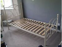 White metal bed frame, single bed, good condition