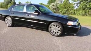 For sale Lincoln town car 2007