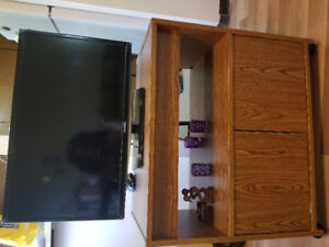Samsung 28 inch tv with tv stand