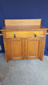 Antique-style Wash Stand