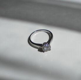 18ct White Gold Starburst Collection Halo Style Diamond Ring - Size O.