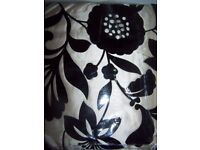 LUXURY FULLY LINED BEDROOM CURTAINS 66 x 72 PLUS TIE BACKS BLACK/ GOLD