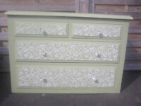 REDUCED! PRETTY PAINTED RUSTIC COUNTRY STYLE CHEST OF DRAWERS. ORIGINALLY £85 - FINAL REDUCTION £49