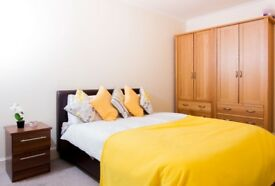 Double Room with En-Suite available in Queensway, Central London