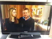 """32"""" Toshiba lcd tv with remote control"""