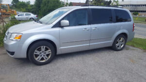 2010 Dodge Grand Caravan SXT Minivan, Van loaded 8500.00
