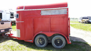 1981 Wylee 2 Horse Straight Load Trailer - Cold Lake Alberta