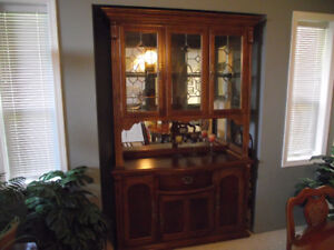 DINNING ROOM TABLE WITH BUFFET & HUTCH