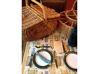 Picnic basket, champagne basket & picnic rucksack