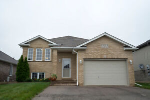 122 Donegal Drive: West Brant Beauty for Sale!
