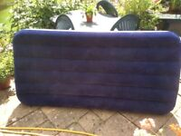 Large single flock air bed