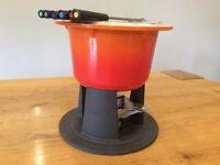 Lecreuset Iconic Cast Iron Fodue Set. Volcanic Orange, never been used cost £150 new