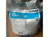 Ecolab Oasis 40 Professional Glass & Window Cleaner 2L Concentrate makes 200 Litres!