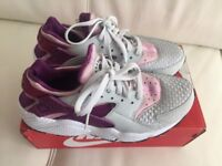 Nike Huaraches grey and purple women's Trainers Size 6/40