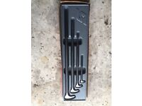 Snap on tools lever bars
